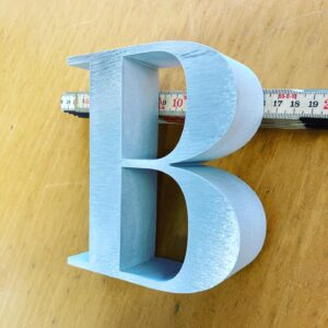 Burmak AG Wasserstrahlschneiden Buchstaben Aluminium
