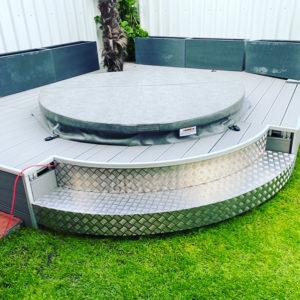 Burmak AG Wasserstrahlschneiden Fullservice Pooltreppe