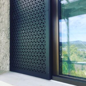 Burmak AG Wasserstrahlschneiden Sichtschutzblende