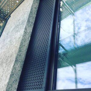 Burmak AG Wasserstrahlschneiden Aluminium Sonnenschutzblende