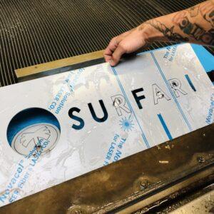 Burmak AG Wasserstrahlmaschine Beschriftung Fassadenbeschriftung