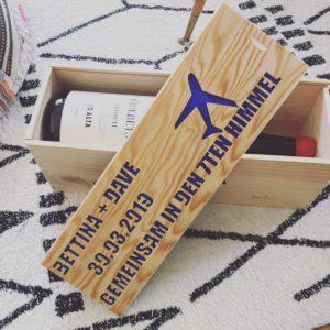 Wasserstrahlschneiden Holz Weinkiste Letters