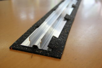 Gummi Schutzmatte Abdichtungsschutz - Rastnasen für Solaranlagen