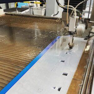 Burmak AG Wasserstrahlschneiden Aluminium